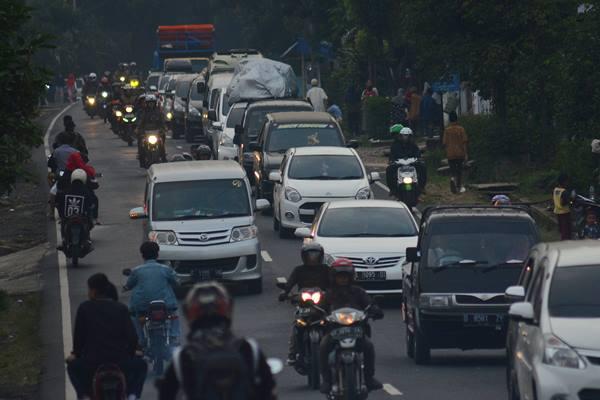 PUNCAK ARUS MUDIK : Jateng Bakal Dilewati 2,6 Juta Kendaraan