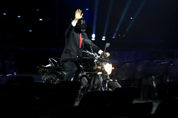 ASIAN GAMES 2018 : Jokowi & Pamor Yamaha FZ 1