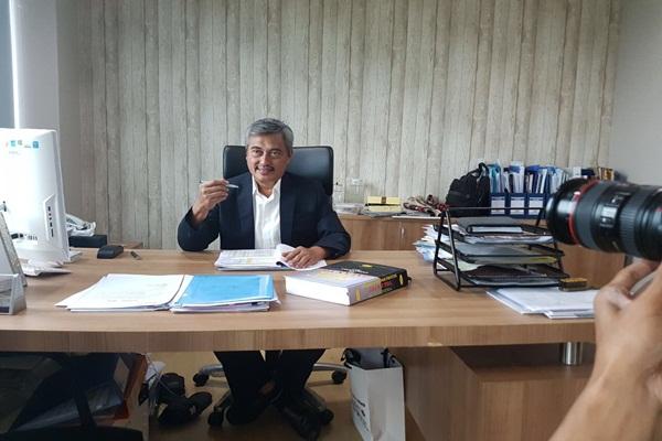 RASTER : Kegembiraan Herwi Berinvestasi Jalan Tol