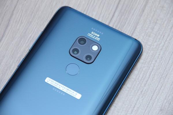 SMARTPHONE BARU : Huawei  Mate 20 Pro, Solid & Super Komplet