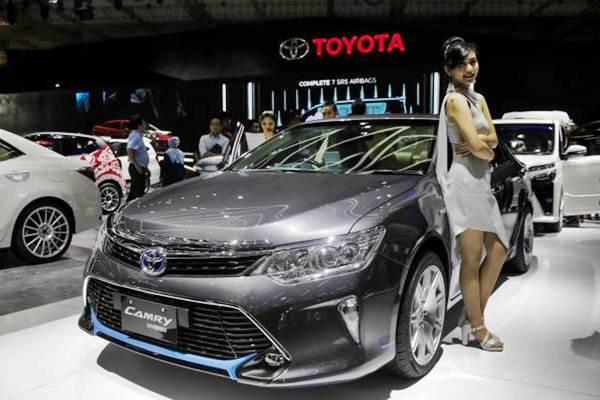 KENDARAAN LISTRIK : Mobil Hibrida Mewah Kian Diminati