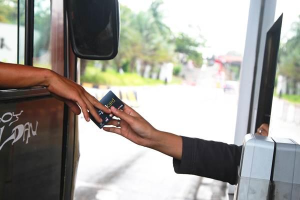 PEMBAYARAN TOL : Operator Siap Terapkan Transaksi Tanpa Kartu