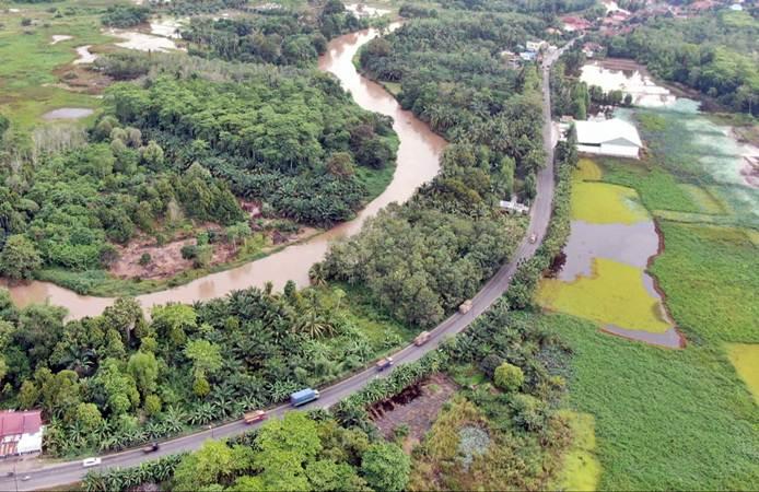 JALAN TOL :  Menikmati Alam Sumatra Dengan Road Trip