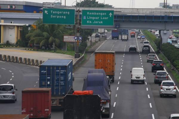 JALAN TOL : Tarif Tol Jakarta Tangerang Pasti Naik