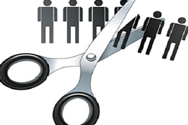 TREN PHK DI STARTUP : Nasib Pekerja di Perusahaan 'Bakar Uang'