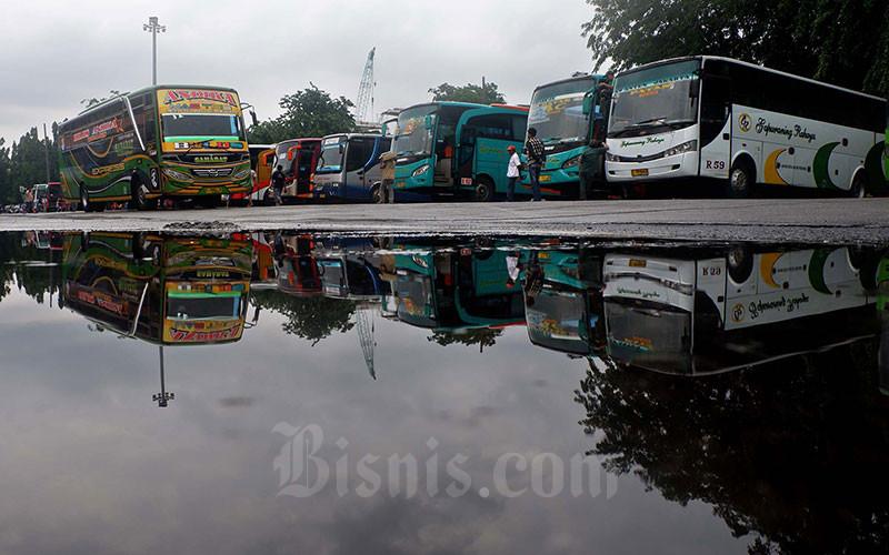 GIM SIMULASI : Keliling Indonesia Dengan Bussid