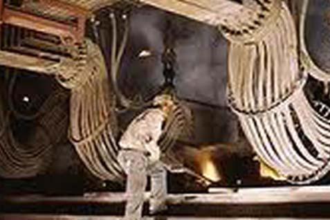 PROYEKSI AKHIR TAHUN : Proyek Smelter Berpotensi Mundur
