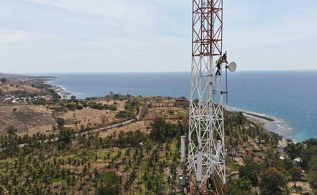 PROYEK INFRASTRUKTUR TELEKOMUNIKASI : Internet Merata Masuk Desa, Kapan?