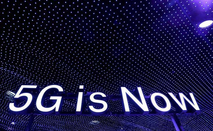 CATATAN INDUSTRI TELEKOMUNIKASI : Karpet Merah Internet Supercepat
