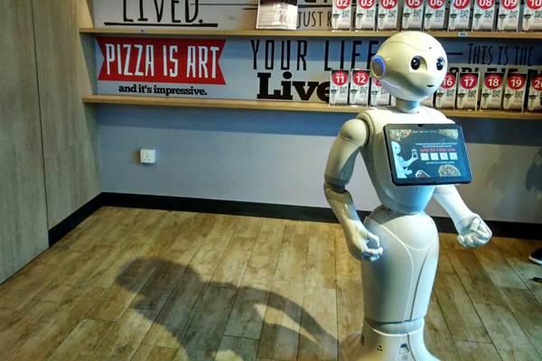 Bersaing Dengan Robot