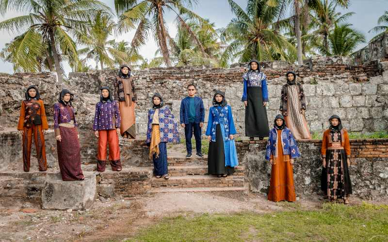 KHAZANAH WASTRA NUSANTARA : Perjalanan 2 Dekade Wignyo Melestarikan Tenun Etnik