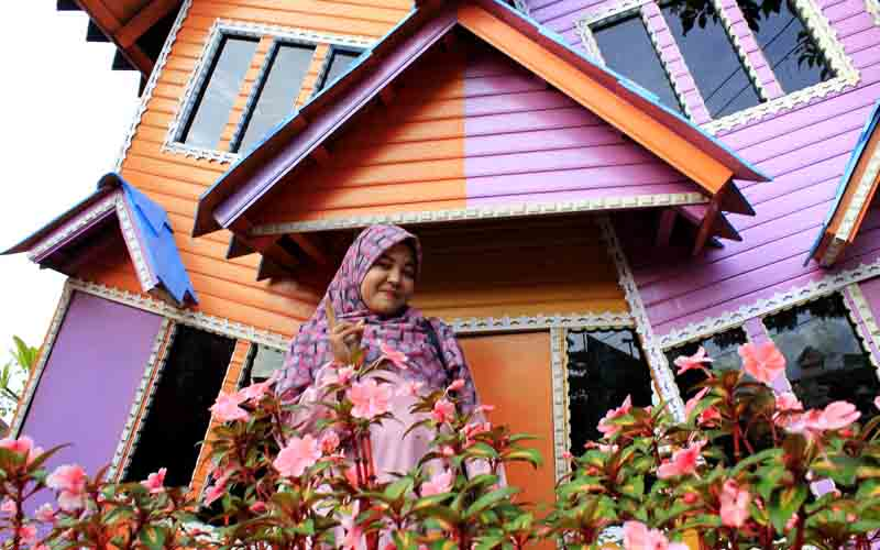 rumah mini Barbie di Lezatta