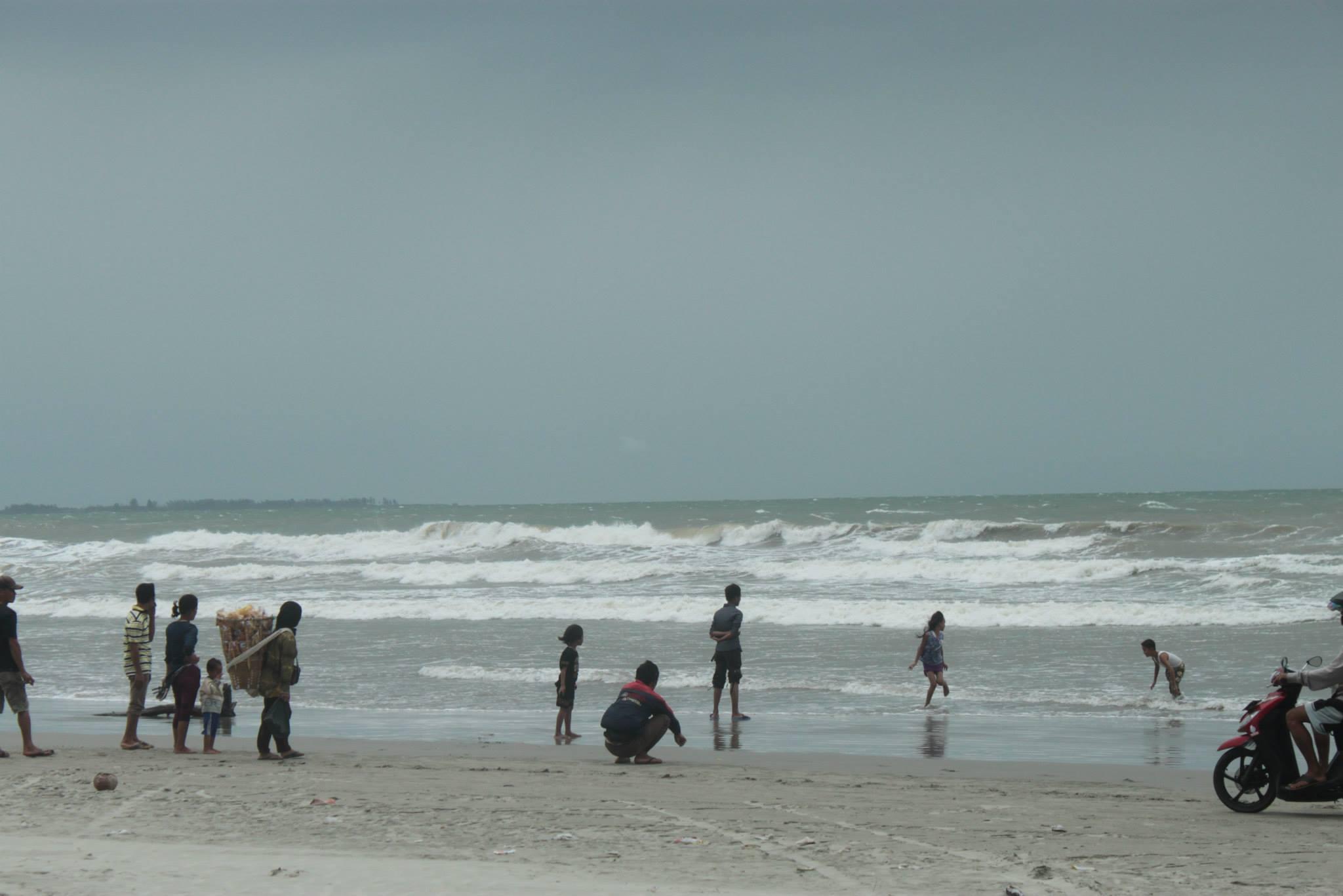 pantai panjang di bengkulu