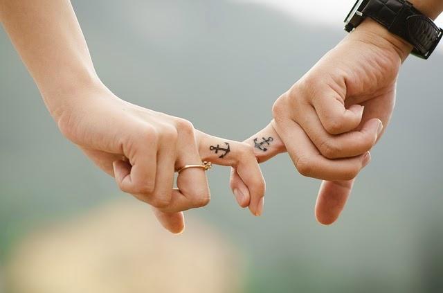 pria jatuh cinta, cinta perempuan, tulus, percaya