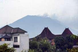 Gunung Agung Status Awas, Radius 10 Km Dikosongkan