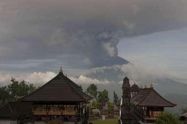 Probabilitas Erupsi Gunung Agung Makin Besar