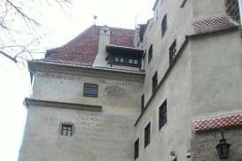Menengok Legenda Istana Drakula