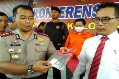 Penyanyi Dangdut Xena Xenita Ditangkap Polisi Usai Manggung