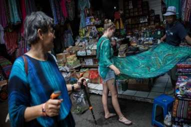 The Banjar Bali Incar 4.000 Shopper Sehari