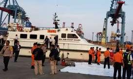Kapal KPLP Evakuasi 2 Kantong Jenazah dan Serpihan Lion Air JT 610