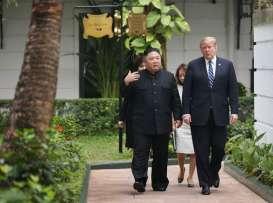 POLITIK GLOBAL AMERIKA: Trump, Poros Setan dan Perang Dagang
