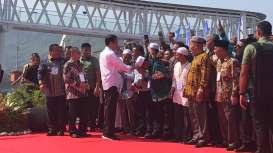 Saat Presiden Jokowi 'Ditodong' Perpanjang Runway Bandara di Sibolga