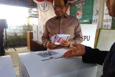 Mahfud MD Nyoblos di Maguwoharjo Sleman, Ikut Monitor TPS 105