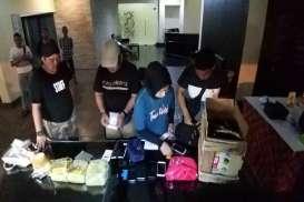 Dua Wanita Bawa 4 Kg Bawa Sabu-sabu Ditangkap di Madiun