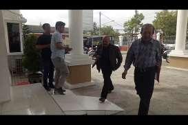 Terjerat Dugaan Korupsi, Mantan Bupati Sragen Agus Fatchur Rahman Ditahan