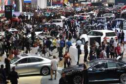 KABAR PASAR 19 JULI: Tenaga Baru Pacu Ekonomi, Komitmen Investasi Kendaraan Listrik Capai Rp100 Triliun