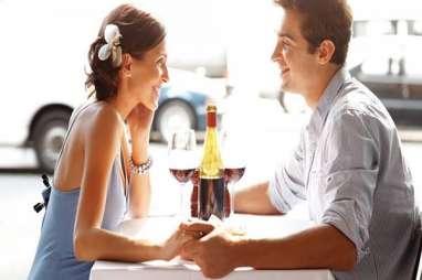 Hindari Curhat 5 Masalah Hubungan Ini ke Teman Anda