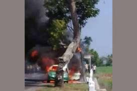 Viral Video Mobil Terbakar di JJLS, Penyebabnya Korsleting Listrik