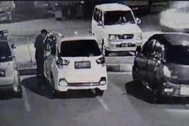 Video Viral, Pencuri di Rest Area Tol Saradan Nekat Tabrak Pembatas
