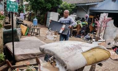 Banjir Jakarta Hasilkan Sedikitnya 50 Ribu Ton Sampah