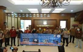 Forkas Jatim Salurkan Sembako & APD Sokong Penanganan Covid-19