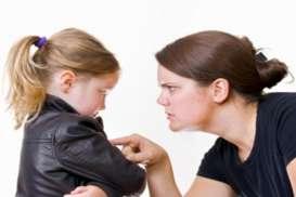 Orang Tua Terlalu Mengekang, Bikin Masa Depan Percintaan dan Pendidikan Anak Terganggu