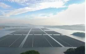 Laporan IEEFA: Asia Mengungguli Eropa dalam Instalasi PLTS Terapung