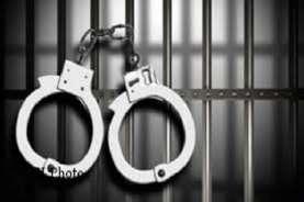 Sastrawan NTT Dijemput Polisi Akibat Lakukan Perusakan