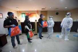 HUT BNI, Pegawai dan Serikat Pekerja BNI Membagikan 146.000 Paket Sembako
