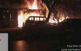 Bakar Sampah Diduga Penyebab Bengkel Mobil di Lenteng Agung Terbakar