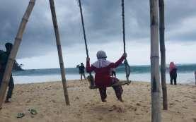 Gugus Tugas Jabar Minta Orangtua tak Bawa Anak ke Wisata Terbuka