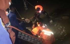 Minibus Terjun ke Sungai Kalimalang, Ibu dan Anaknya Tewas