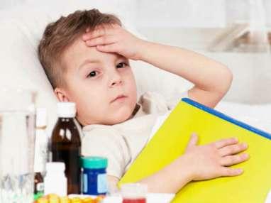 Ini Yang Harus Dilakukan Orang Tua Ketika Anak Demam
