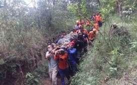 Evakuasi Pendaki Terperosok ke Kawah Gunung Lawu Melibatkan 80 Orang