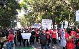 Tiga Pekerja Hiburan Malam yang Demo di Balai Kota Bandung Reaktif