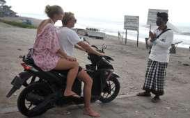 Ekonomi Bali Semester I-2020 'Terjun' Akibat Pandemi Covid-19