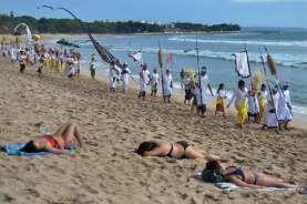 Bali Atur Agar Industri Pariwisata Tak Meminggirkan Masyarakat Adat