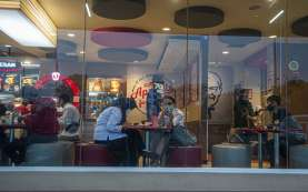 Pembatasan Sosial di Jakarta Berefek ke Kafe dan Restoran di Jatim
