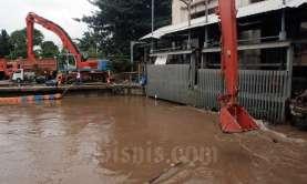 Hingga Sore, Terkumpul 2.478 Meter Kubik SampahSisa Banjir di Jakarta
