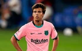 Berkeras Bertahan di Barcelona, Riqui Puig Didaftarkan di Tim B